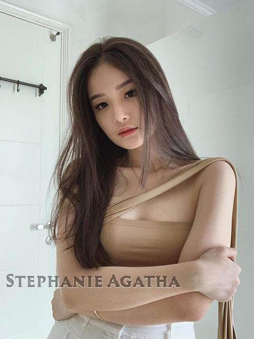 Biodata Stephanie Agatha